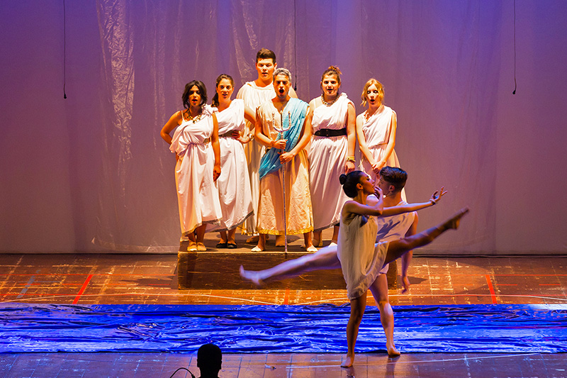Coro Polifonico e Laboratorio Teatrale – Teatro Augusteo 2014